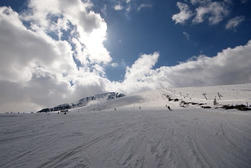 ski-and-snowboarding-bansko