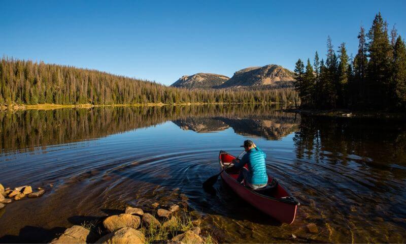Canoe vs Kayak - Canoe Camping